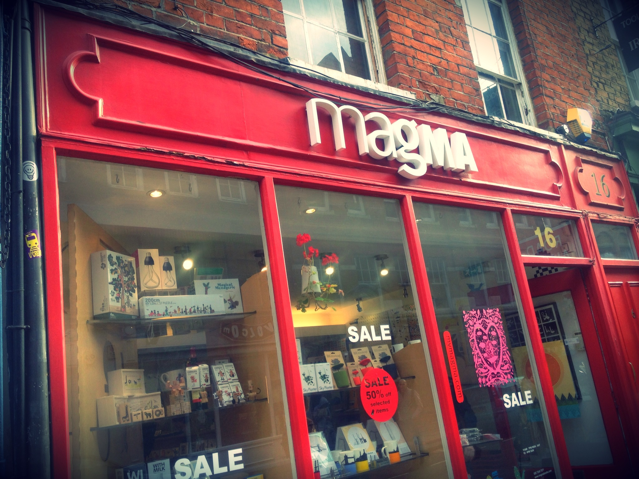 magma_london_red