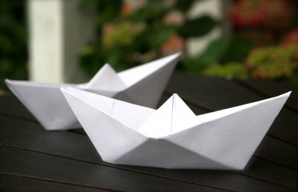 Fold_papir_papirsbåd