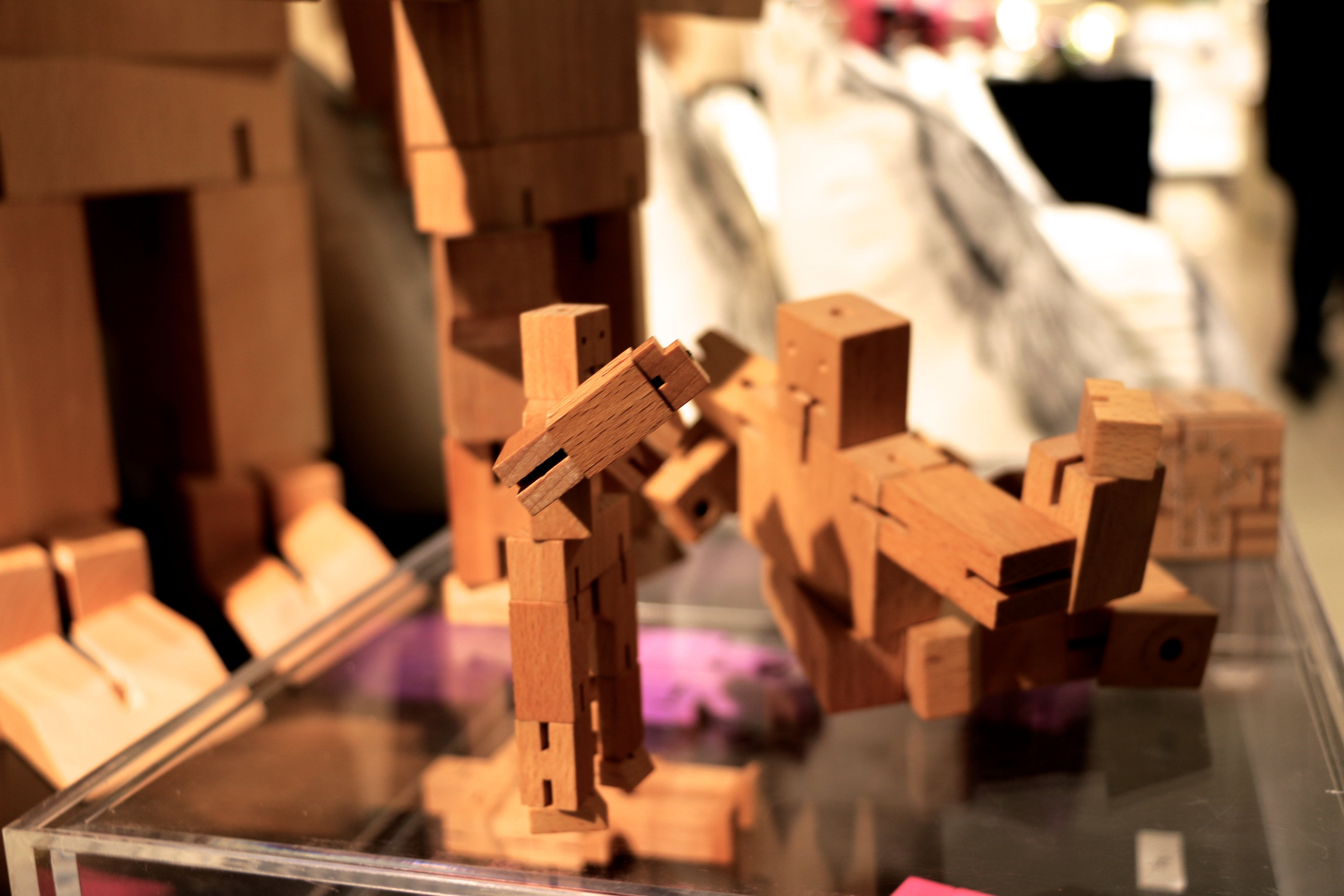 tre_robot_magasin_cube