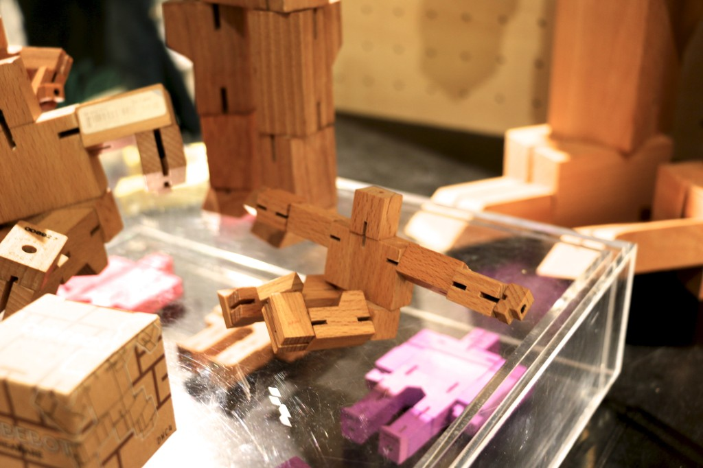 tre_robot_magasin_cube_2