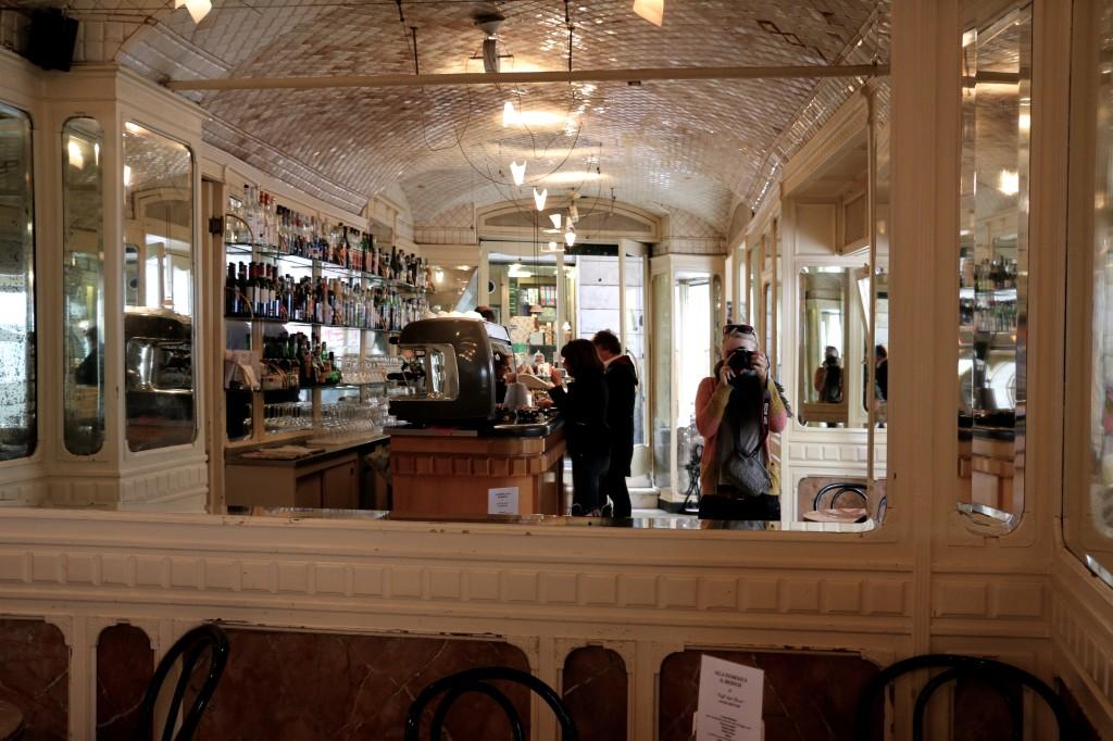 Cafe_italien_spejle_selfie