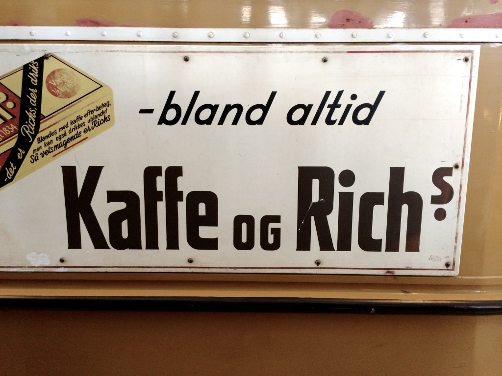 Klassiks_typografi_skilt_Kaffe_rich