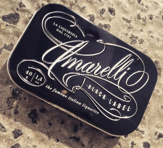 Black_label_amarelli_italiensk_packaging_design_formland
